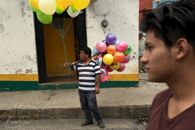Coatepec balloon vendor copy